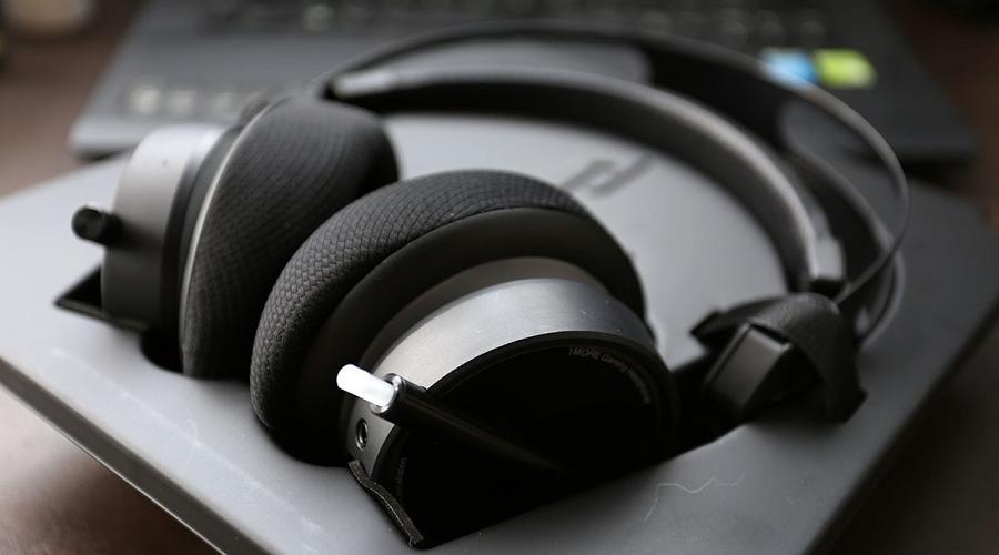 1More virtual surround sound Gaming headset