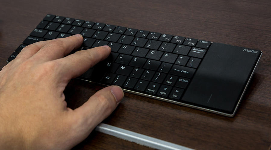 صفحه کلید لمسی بی سیم رپو مدل E2710 تاچ پد دار