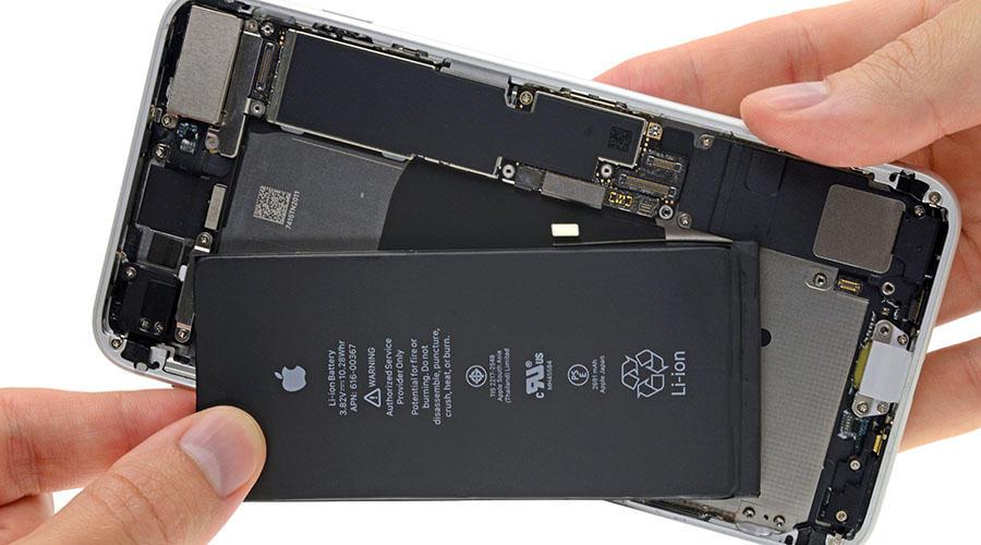 تعویض باتری آیفون 8 پلاس