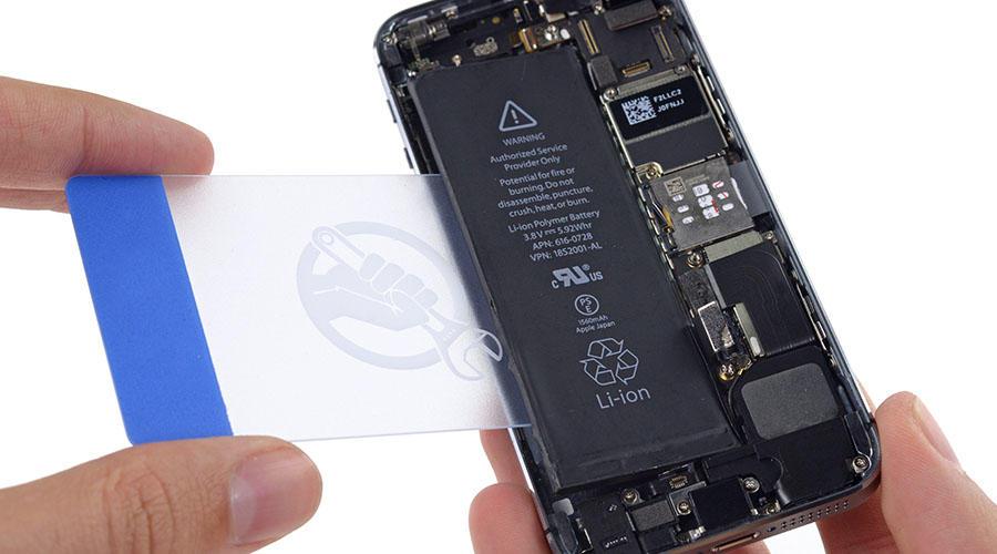 تعویض باطری iphone se